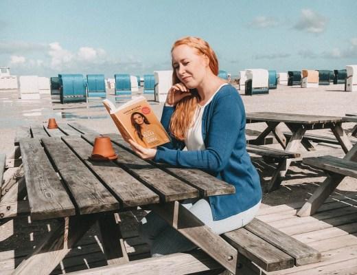 Buch Rezension Anna Wilken In der Regel bin ich stark von allaboutchrissi - Ich lesend im Strandcafé