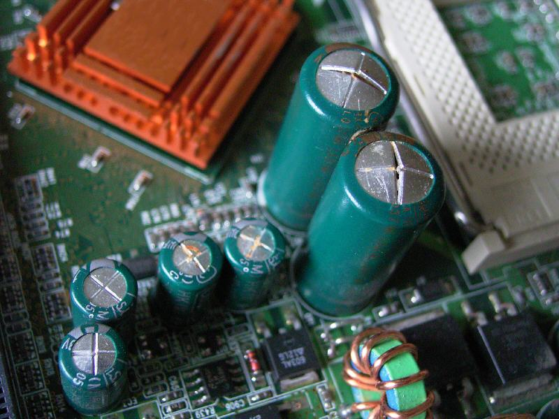 Calculating The Lifespan Of Electrolytic Capacitors With De