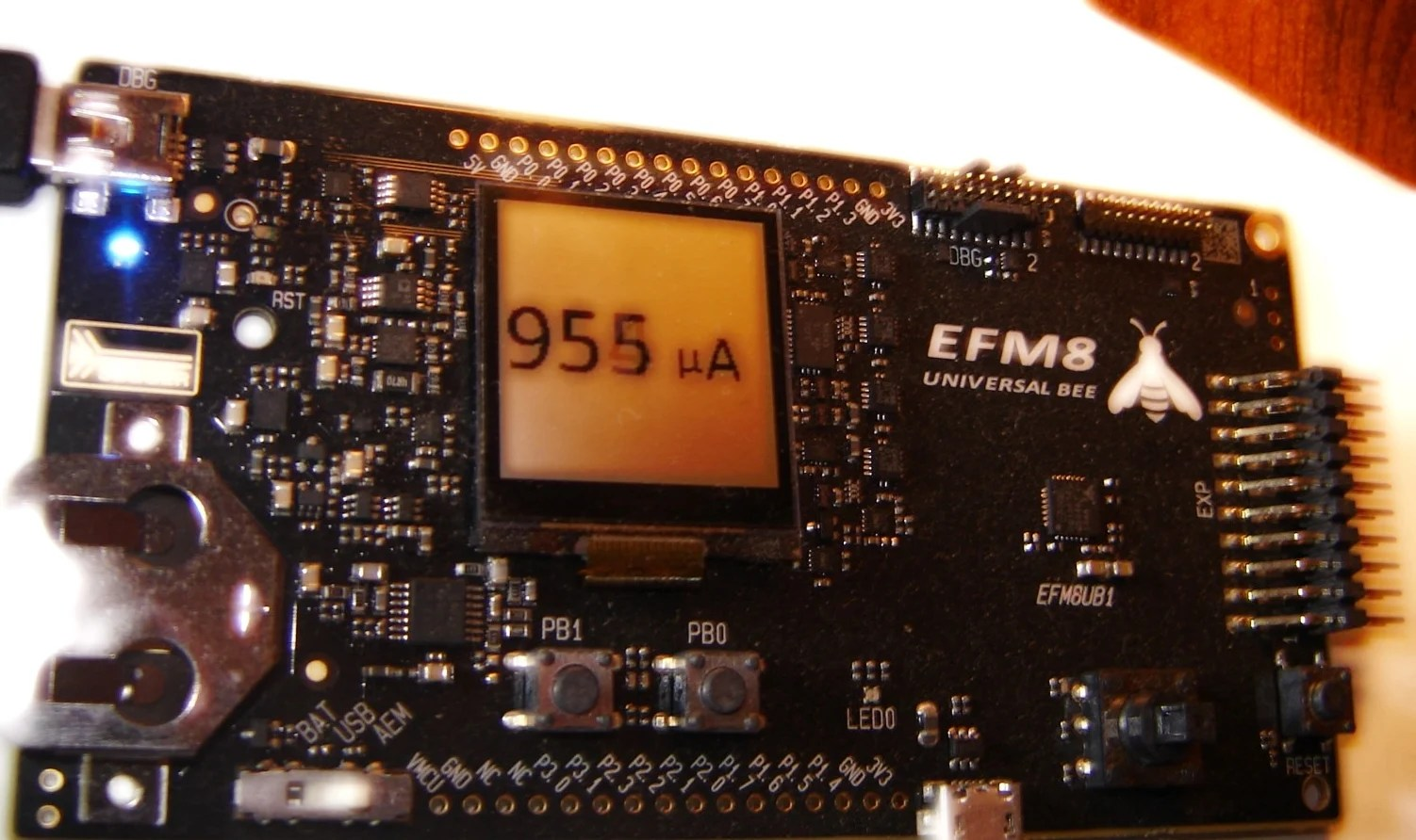 Ambient Light Monitor Display Measurements On An Lcd