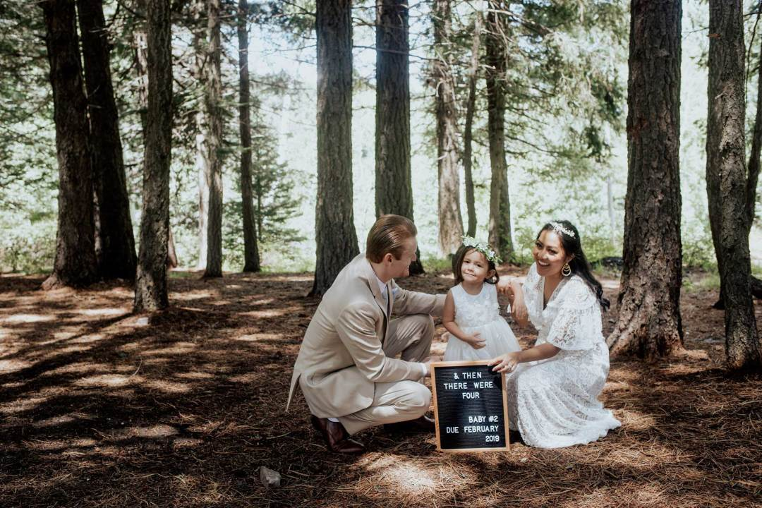 Pregnancy Announcement Baby Number 2_TheVibesCloset_Molly Larsen_Style Blogger_mom Blogger_Beauty Blogger_family picture_12