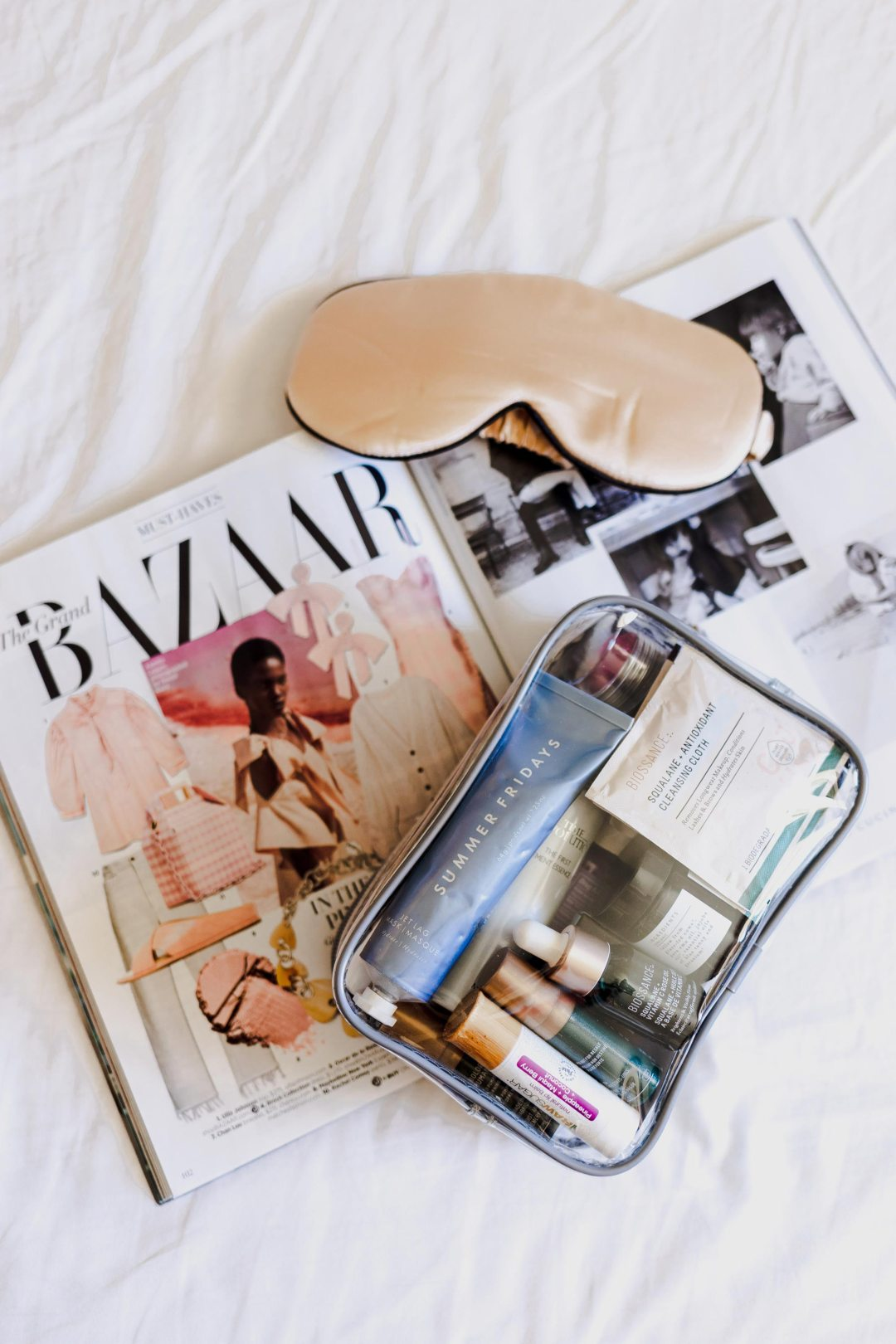 Holiday Trip   What's in my toiletry bag? Molly Larsen Beauty Style Blogger IG @thevibescloset Flatlay
