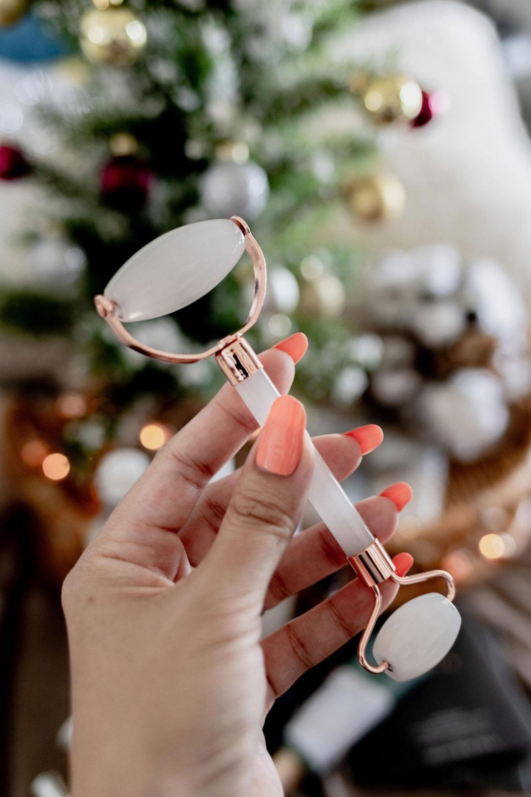 Holiday Gift Guide Clean CRUELTY FREE Skincare Molly Larsen Beauty Style Arizona Blogger allaboutgoodvibes.com IG @TheVibesCloset