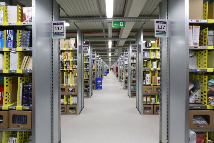 Amazon Shelves