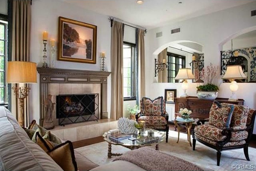 Photos vicki gunvalson lists beautiful california home for Interior designs by vickie