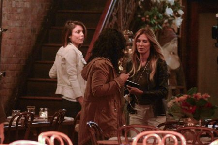 bethenny-frankel-carole-radziwill-filming-rhony-real-housewives-new-york-06