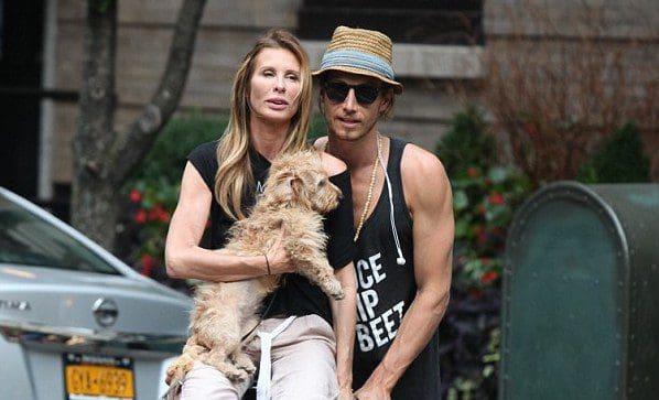 Carole Radziwills Boyfriend Injured In Plane Crash The