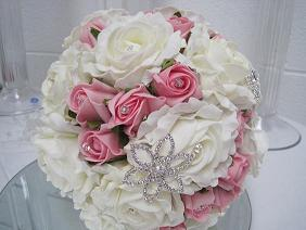 brooch bouquet by All About Weddings