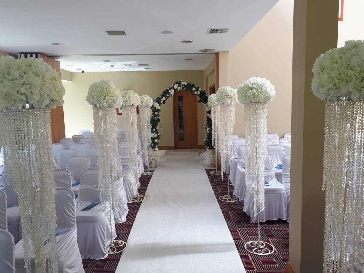 Ceremony Decor At The Woodenbridge Hotel Lodge All About