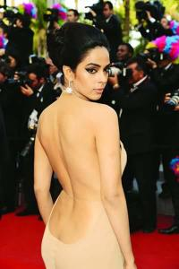 Mallika dons nude gown at Cannes!