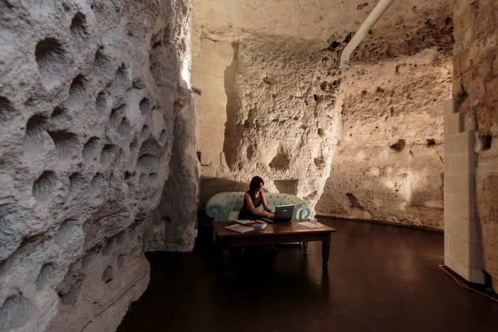 suite in grotta