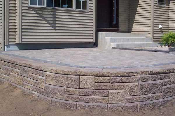 raised patio with allan block ashlar pattern