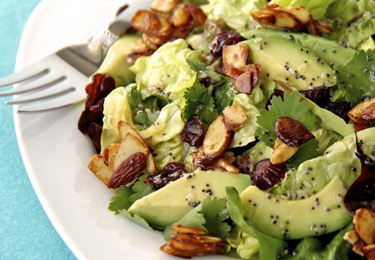 Alimentazione sana: insalata di avocado