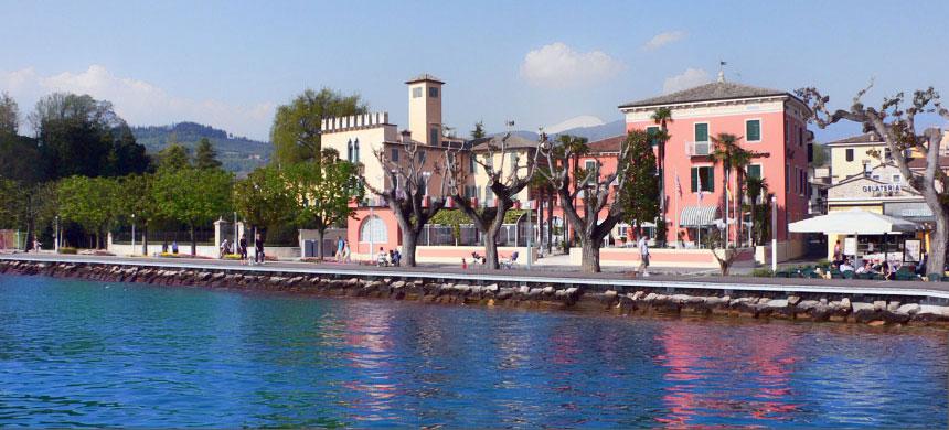 Hotel Bardolino  Hotel Alla Riviera sul Lago di Garda Bardolino