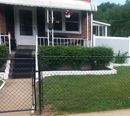 privacy vinyl dog fence