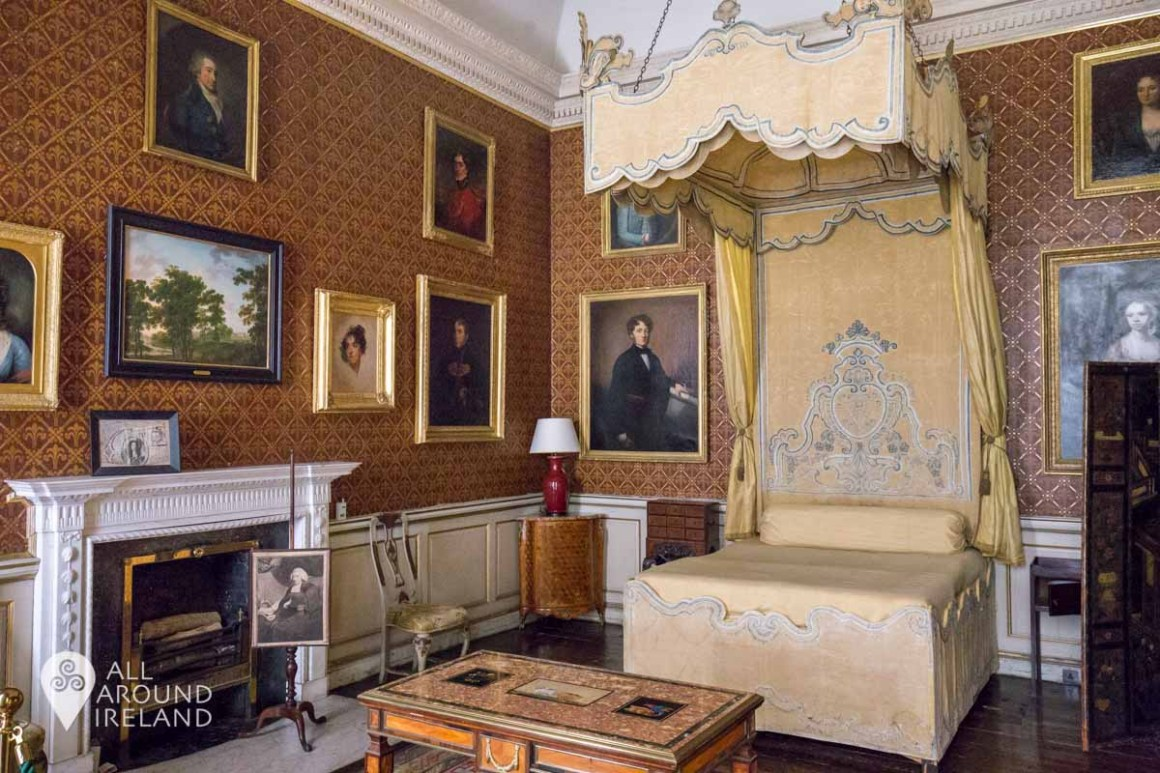 The State Bedroom with canopy bed at Castletown