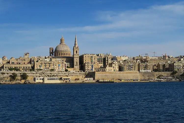 Das sonnige Wetter am Hafen von Maltas Hauptstadt Valletta im Jänner.