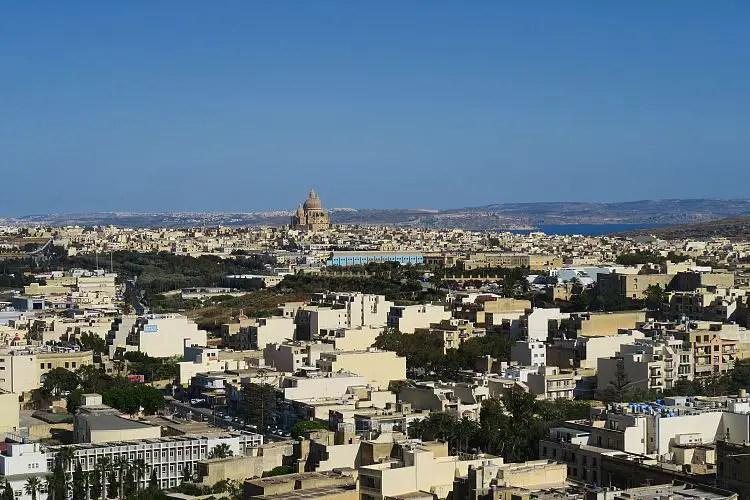 Blick von Victoria auf Gozo und Malta.