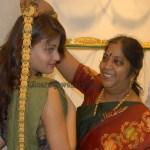 শাড়ী শরীয়ে বাম দুধটা আলগা করলাম-Bangla Choti