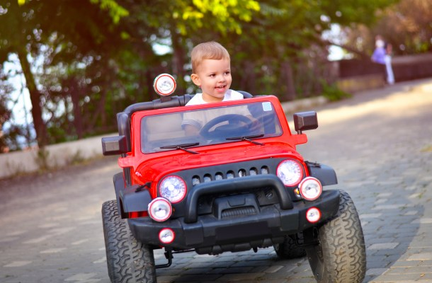 12 Best Electric Cars for Kids In 2021