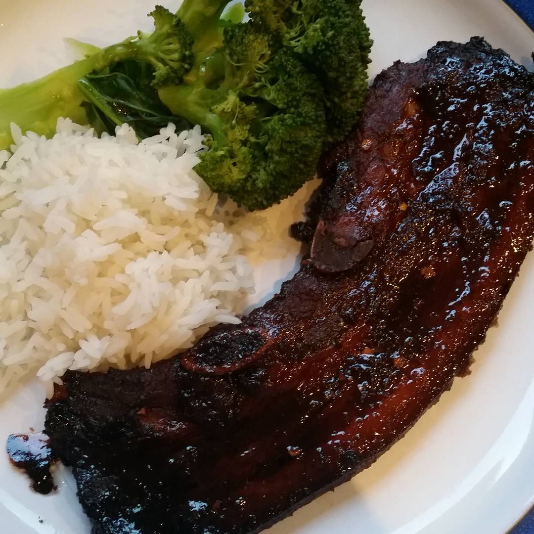 Sticky pork spare ribs