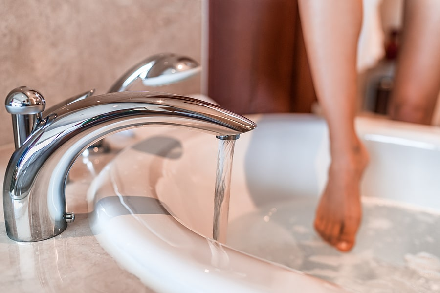 how to replace a leaky bathtub faucet