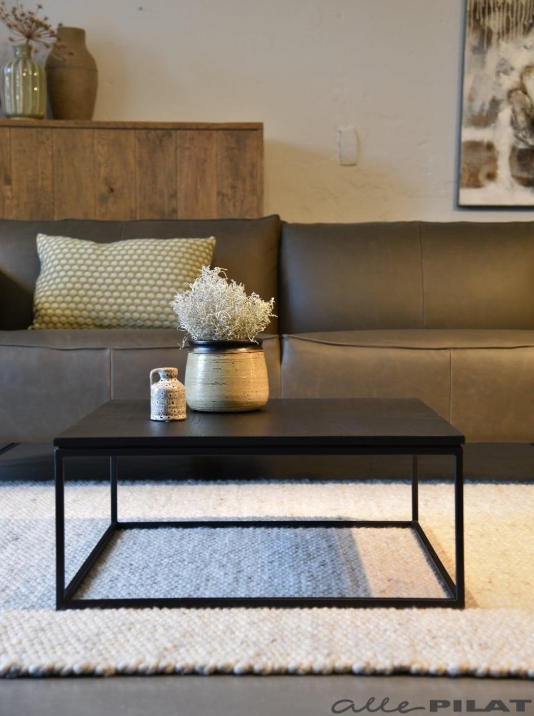 Zwarte vierkante salontafel Black van eikenhout