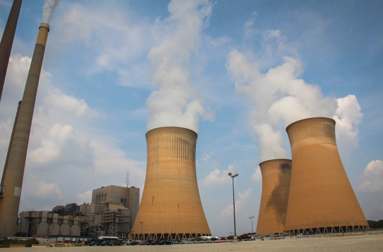 The Homer City power plant in Indiana County, Pennsylvania generated enough electricity in 2014 to power a million homes. Photo: Reid Frazier