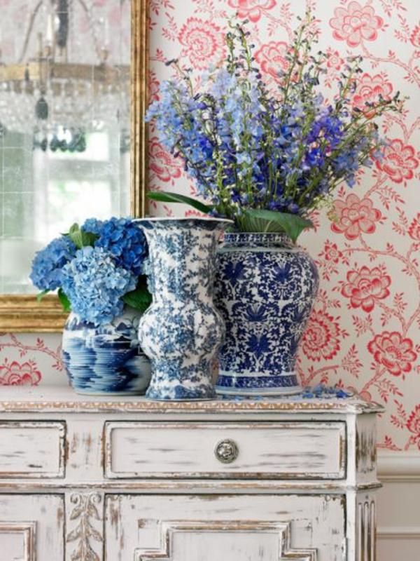 Tapetenmuster mit Blumenmotiven  schne Wandgestaltung Ideen