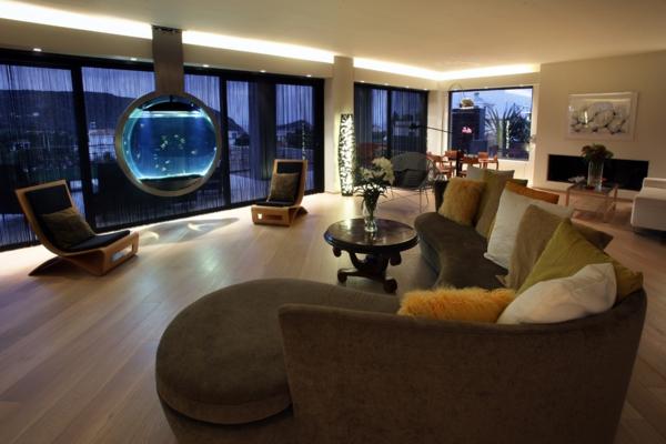 Kleines Aquarium als beruhigendes Element in die Wohnung
