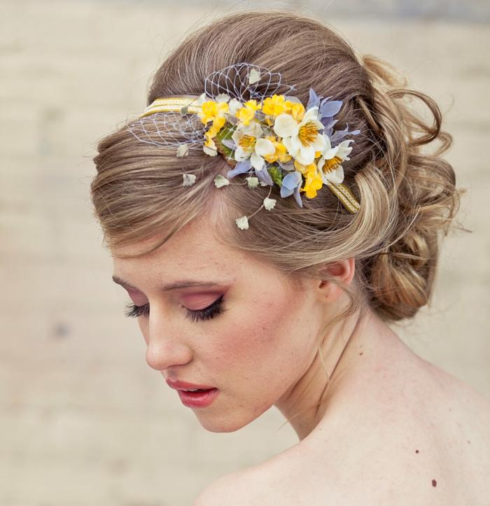 Haarschmuck Blumen  ein klasse Accessoire fr Haare und Kleidung