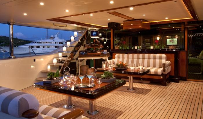 Luxus Yacht  eine luxurise Art auf dem Wasser zu leben
