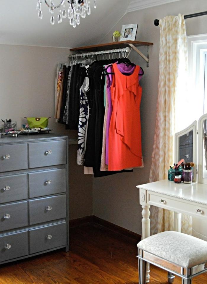 Kleiderstange als DIY Idee fr die Ausbreitung des Kleiderschrankes