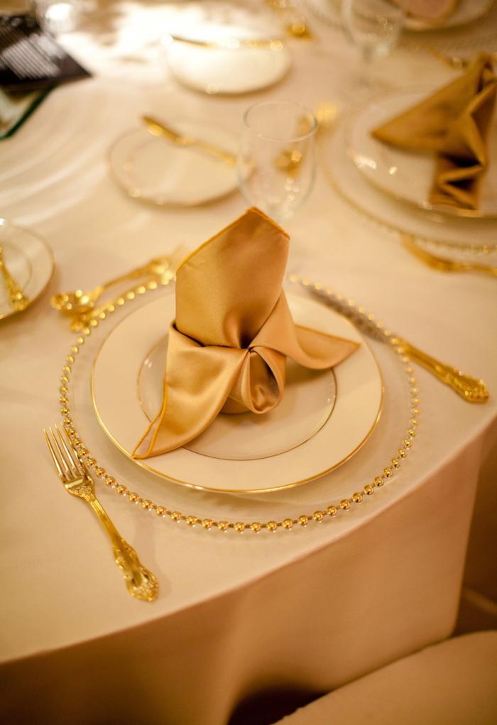 Servietten Falten Hochzeit  40 Ideen fr einen schn dekorierten Tisch