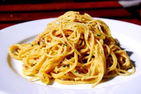 spaghetti_petersilien_thunfisch_sauce