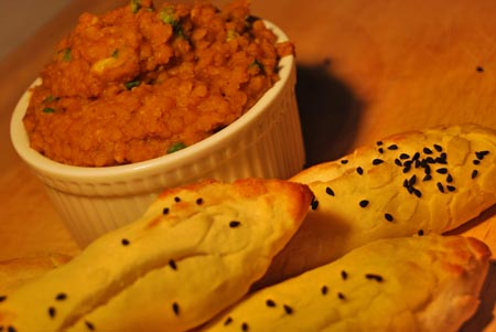 Naan-Hefebrote mit Dal