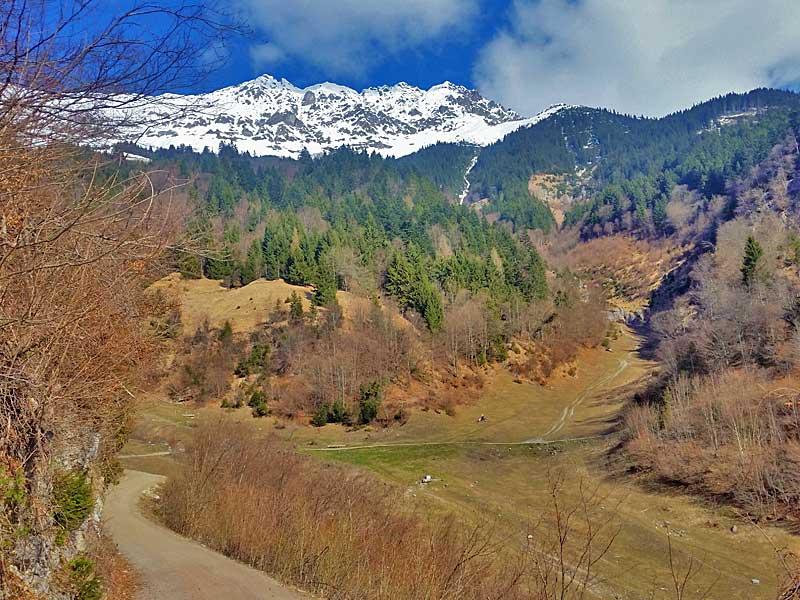 Weiße Bergspitzen gibt es noch, blad aber nur mehr Frühling