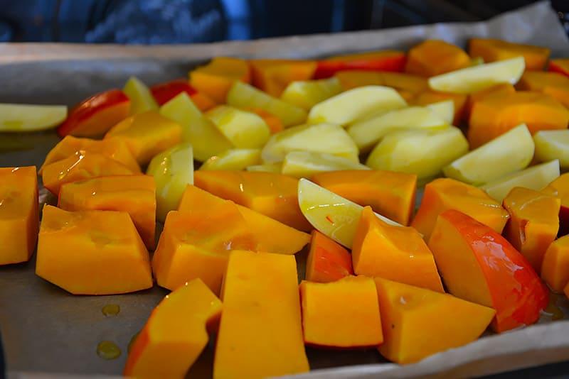 Das Gemüse muss noch in den Backofen