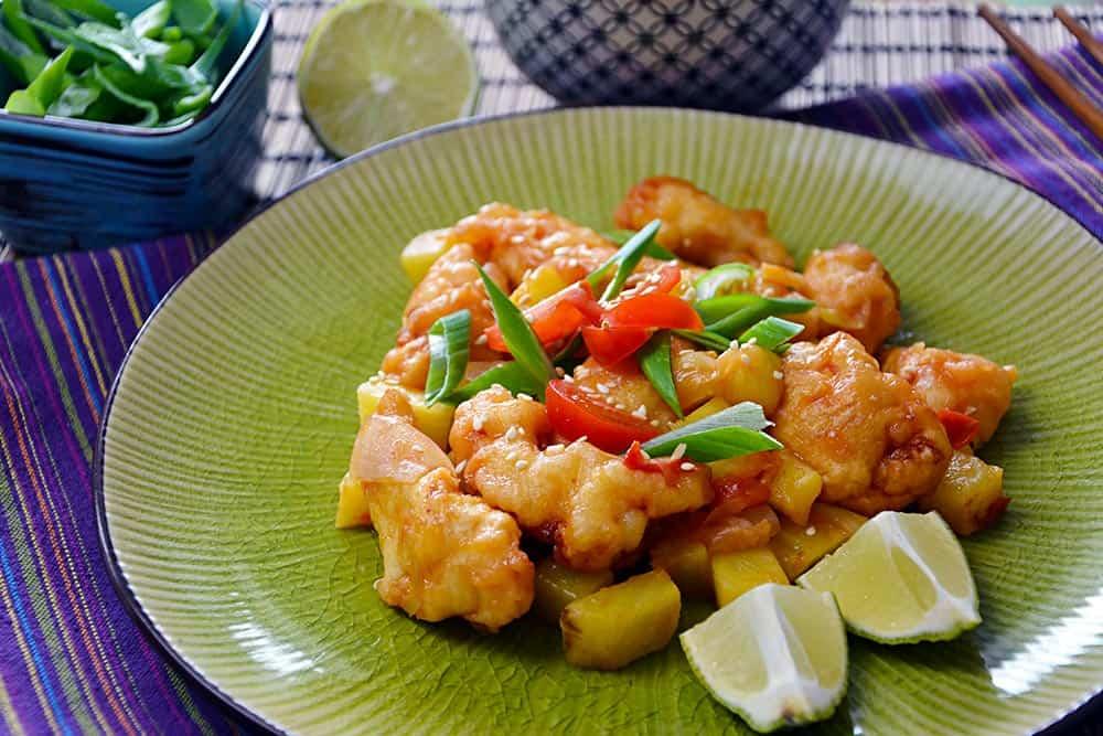 Ein einfaches Rezept für Hähnchen süß sauer. Schmeckt wie im Chinarestaurant. Nur besser!