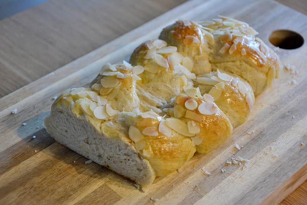 Das Butterzopf Rezept  wird dir schmecken. Selber machen statt kaufen.