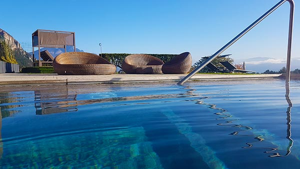 Wellness in Südtirol am Pool