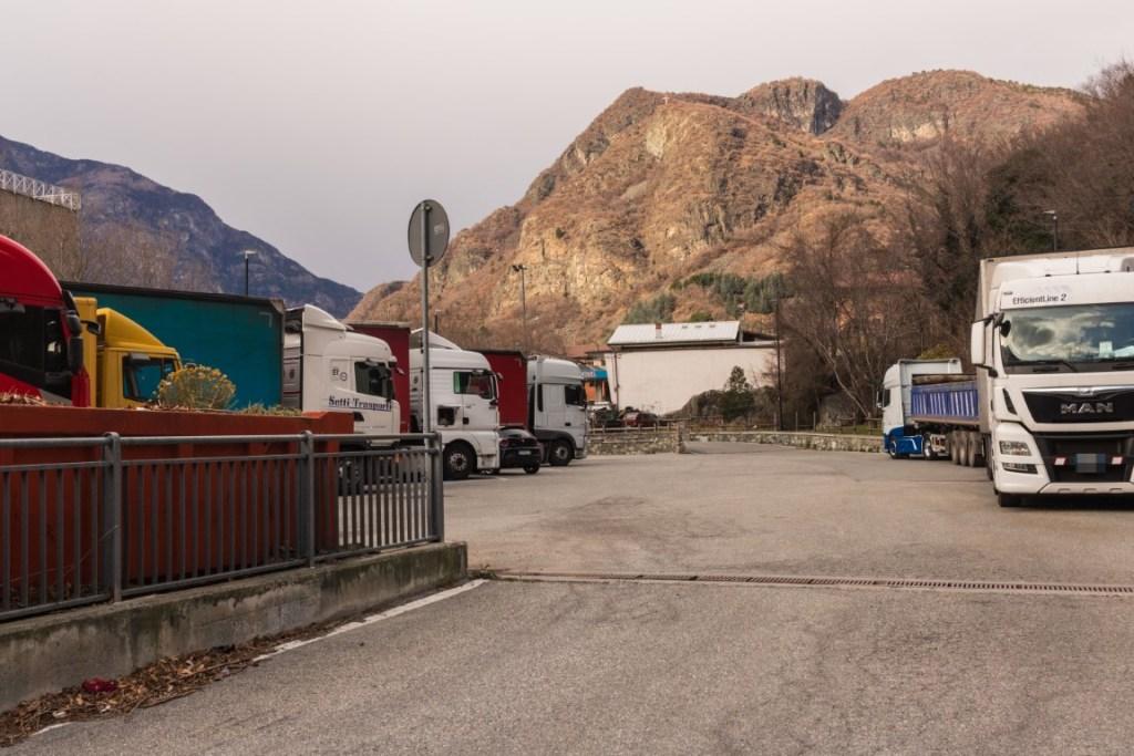 Area sosta condivisa con i camion