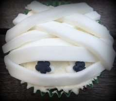 Vegan Vanilla Mummy Cupcakes