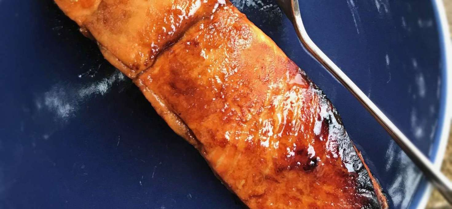 Roasted Salmon with Pomegranate Molasses