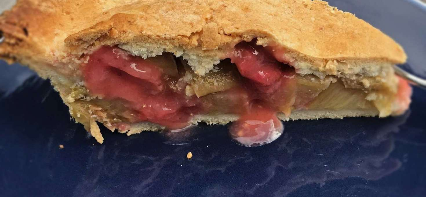 Vegan Pastry Rhubarb and Strawberry Pie