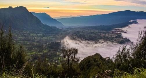Sonnenaufgang über Cemoro Lawang