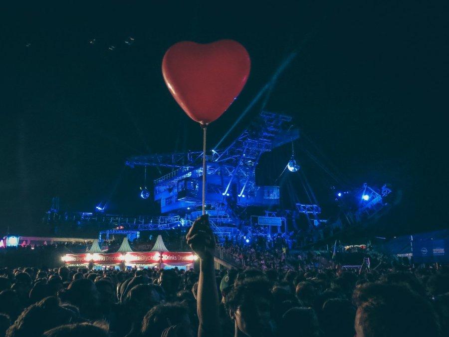 Luftballon Herz auf dem Melt! Festival 2013