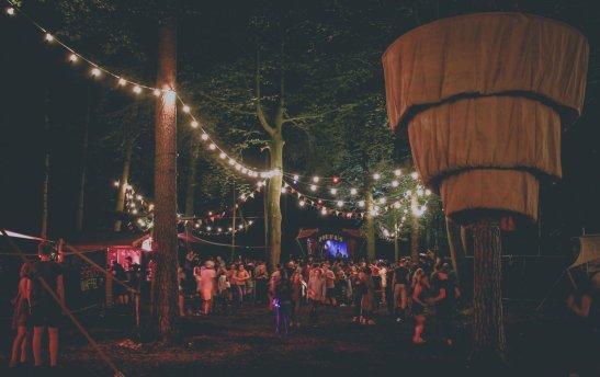 Appletree Garden in der Nacht