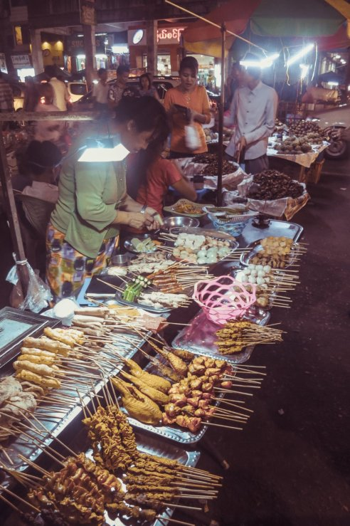 Essensstände in Rangun