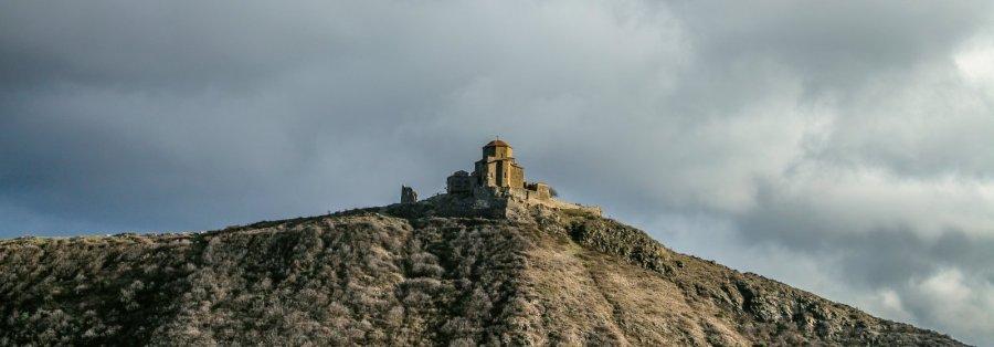 Dschwari-Kloster auf dem Hügel in Mtzcheta