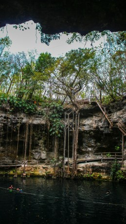 Cenote X´Canché bei Ek Balam